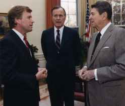 President George Bush, Vice President Dan Quayle and Ronald Regan talking together